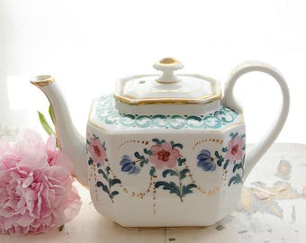 Rare and Beautiful Old Paris/Vieux Paris Teapot