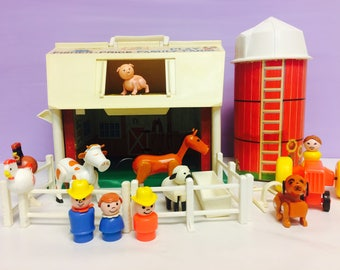 Vintage Fisher Price, Play Family Farm, Barn and Silo, Little People, FP #915, Fisher Price Animals,Little People Playset,1970s Vintage Toys