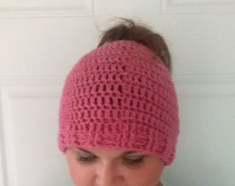 messy bun hat, pony tail hat, crochet bun hat, made to order bun hat, winter hat, pink bun beanie, womens boho hat, knit bun hat, bun beanie