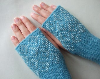 Beaded TURQUOISE fingerless gloves, wrist warmers, fingerless mittens. Soft, thin and warm. Knitted of ALPACA and blended wool. HANDMADE.