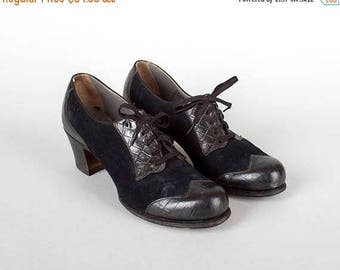 20% OFF SALE Vintage 1940s Shoes | 40s Black Leather Suede Oxford Spectator Lace Up Heels (womens size 8)