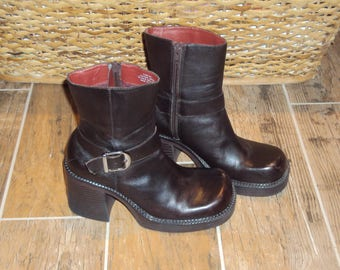 1990s Womens Nine West Leather Chunky Heel Platform Zip Ankle Boots/ Petro Size 6 Chunky Heel Boots/ Chunky Heel Ankle Boots