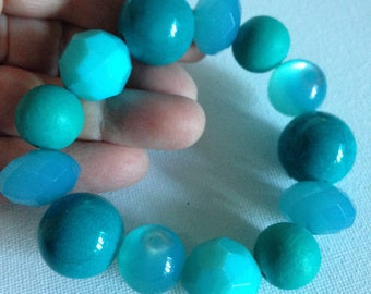 Bracelet - Chunky turquoise blue plastic bracelet mixed beads moon glow and faceted