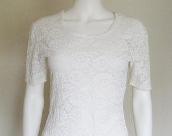 ON SALE 80s 90s semi sheer White Lace Top - medium