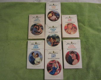 "Set of 7 ""Harelequin Presents"" Romance Novels 1980-1991 Era - Set 12 - JuneMoon10%Off"