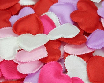 100 Pieces White Padded Fabric Heart Appliques. 25mm x 30mm Romantic Throwing Love Petals,  Weddings, Scrapbook, Cardmaking & Embellishment
