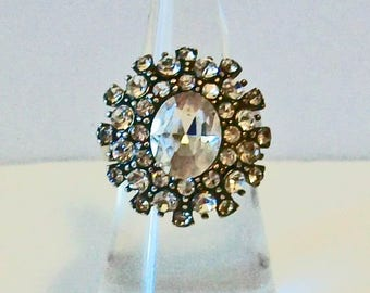 Delicate Vintage Style Oval Rhinestone Cluster Fashion Ring Adjustable Band