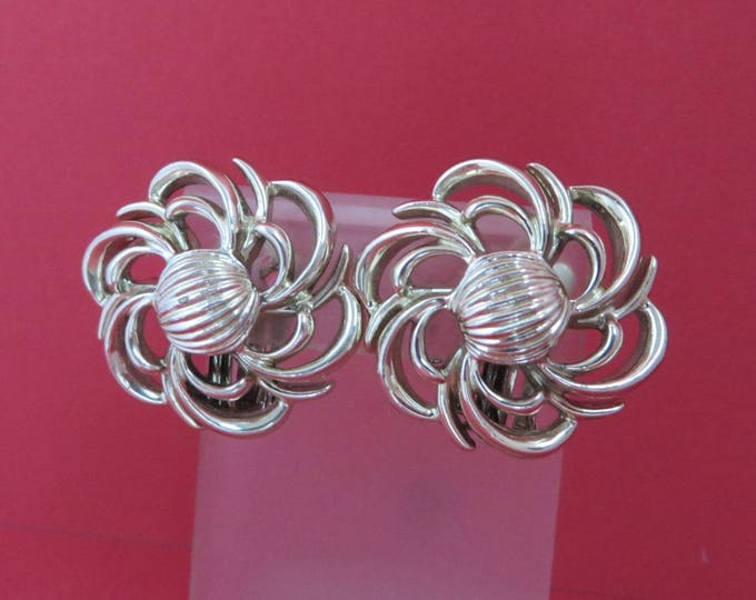 Vintage Coro Earrings, Pale Gold Tone Flower Clip-ons, Gift Idea, Gift Box