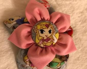 Fabric flower clip: Zelda