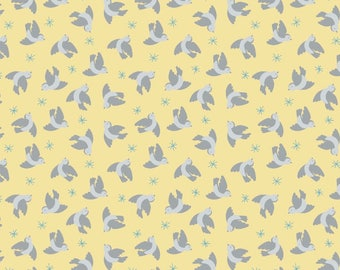 So Darling A290.2 - Flying bluebirds on lemon Lewis & Irene Patchwork Quilting Fabric