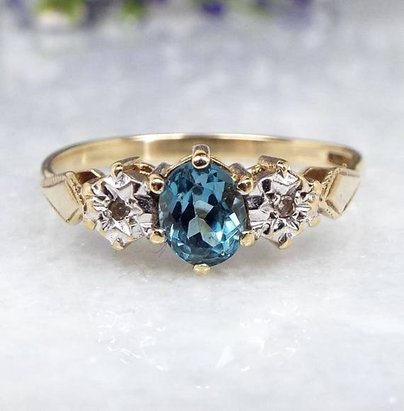 Vintage 9ct Yellow Gold Sky Blue Topaz and Diamond Star Trilogy Ring / Size N