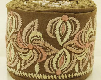 Free Shipping Indian Vintage Embroidered Used Sari Border Green Antique Ribbon Sewing 1YD Trim VB14344