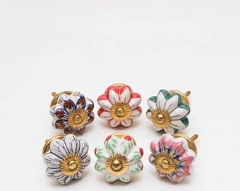 Set of 6 Ceramic Fasinator Floral Knobs