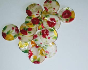 X 2 mother of Pearl puck beads flower 25mm
