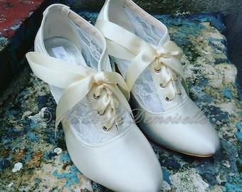 Vintage lace Shoes, Vintage Lace Bridal Shoes, Ivory Bridal Shoes, Ivory Wedding Shoes, Lace Bridal Shoes, Lace Wedding Shoes, Bridal Shoes