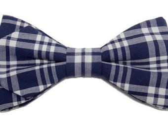 Bow tie blue and white tiles with sharp edges