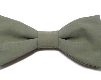 Bow tie green light khaki with straight edges