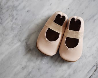 ballet flats /soft soled leather shoes / baby moccasin moccs / frosted pink leather