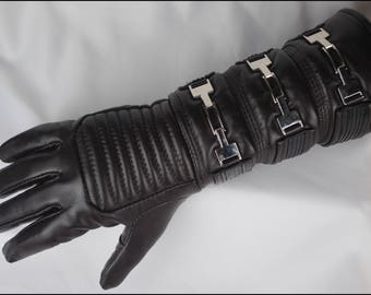 Real leather glove with buckles