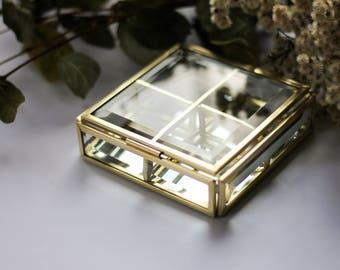 Square brass box, golden box, Ring box, Square ring box, brass geometric box, casket with sections, jewelry box, jewelry display, mirror box