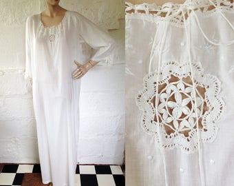 Edwardian Snow White Fine Cotton Nightdress with Ribbons and Lacework / Edwardian Nightgown / Vintage Nightdress / SIZE UK 12-14