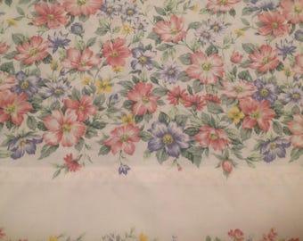 Vintage  pillowcase Multi color floral pillowcase Vintage bedding Standard pillowcase Spring bedding Farmhouse decor Country home bedding