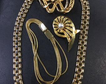 Job lot of gold plated jewellery