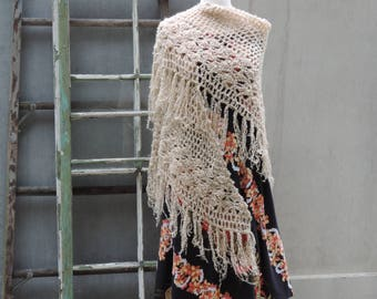 Vintage Shawl Vera Neumann Accessories by Vera 1970's Taupe Beige Triangle Fringe Shawl Wrap Evening Wear Beach Casual