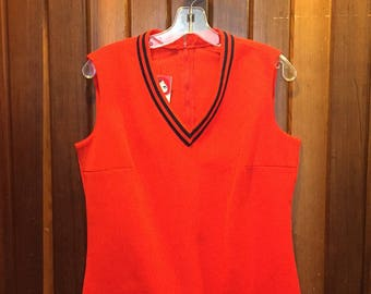 1970S // TENNIS ANY ONE? // Vintage Red Zip Up Vest