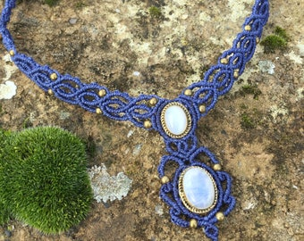 Macrame necklace moonstones with a bronze setting - color blue