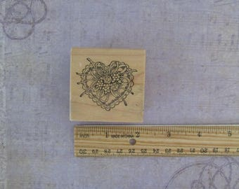 PSX Victorian Heart/Ribbon and Lace Heart E-831 Wood Mounted Rubber Stamp 1988