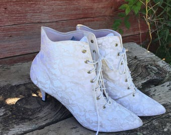 Vintage Lacy White Lace Up 1980's Heeled Boots. Victorian Inspired. Size 8. Pointy Toed. White Wedding. Pumps. Pinup. Boho Shoes. Glam.Retro