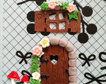 Set of 2 edible decorations. Fairy door and window. Cakes cupcakes cookies cakepops toppers and decoration