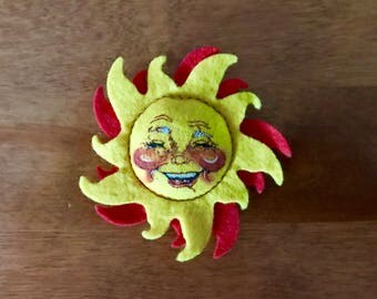 Annalee Doll Society 1992 Special Edition Sun Pin