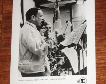 Frank w/ Tina And Nancy Sinatra Rare Warner/Reprise Promo Only 8x10 Press Photo