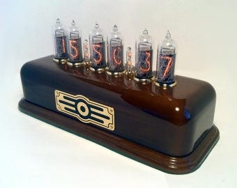 RadioTec vintage Nixie Tube Clock IN-14 nixies color walnut - special lot for personal customer