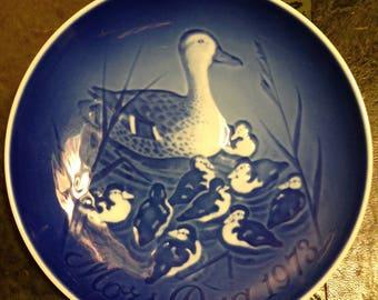 Copenhagen Porcelain B & G Denmark - Mothers Day - 1973 - Duck Family