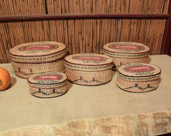 Vintage Chinese  Oval Straw Basket with Lid Cover in  Set of 5