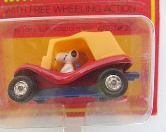 Snoopy  AVIVA  Mini Die Cast - Snoopy in Jeep  - yellow - red - blue - NIP