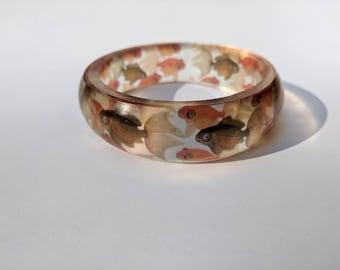 Goldfish swimming resin bangle bracelet
