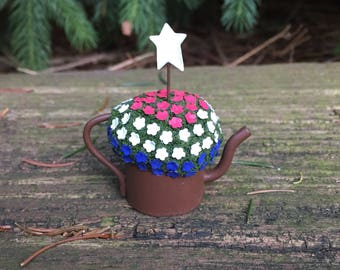 Miniature Dollhouse Oversized Americana Rustic Watering Can - One Inch Scale - Fairy Garden - Miniature Flowers -Miniature Garden -Americana