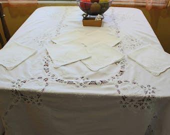 Vintage Solid White Cotton Battenberg Lace Oval Tablecloth and 6 Napkins