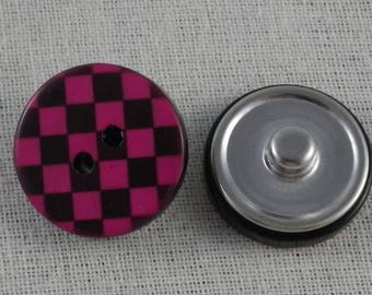 Snap button checkerboard fuchsia and black