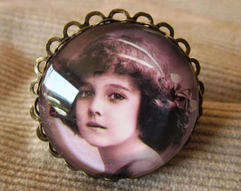 "Shabby chic ""boy with turban"" ring"