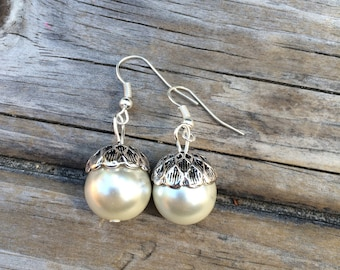 Acorn Pearl Earrings, Bridesmaids Earrings, Acorn earring, Wedding Earrings, Bridal gifts, Wedding Gift, Gifts for her, Pearl Acorn Earrings