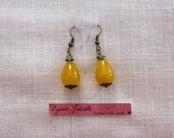 Yellow jade drop earrings