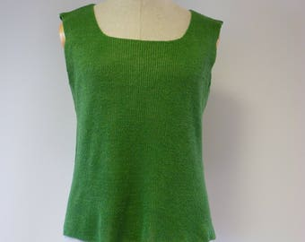 The hot price! Green linen top, L size.