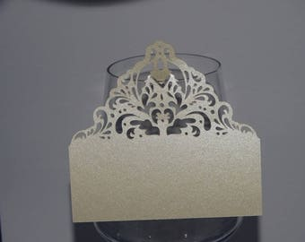Mark up ivory baroque glass