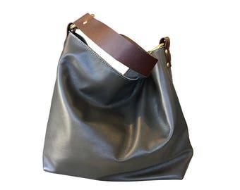 Simple Leather Hobo // Grey