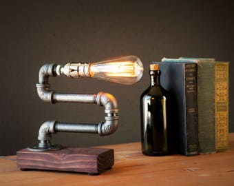 Unique Light - Table lamp - Steampunk Light - Industrial Lighting - Vintage Lamp - Edison Lamp - Rustic Lighting - Reading Desk lamp